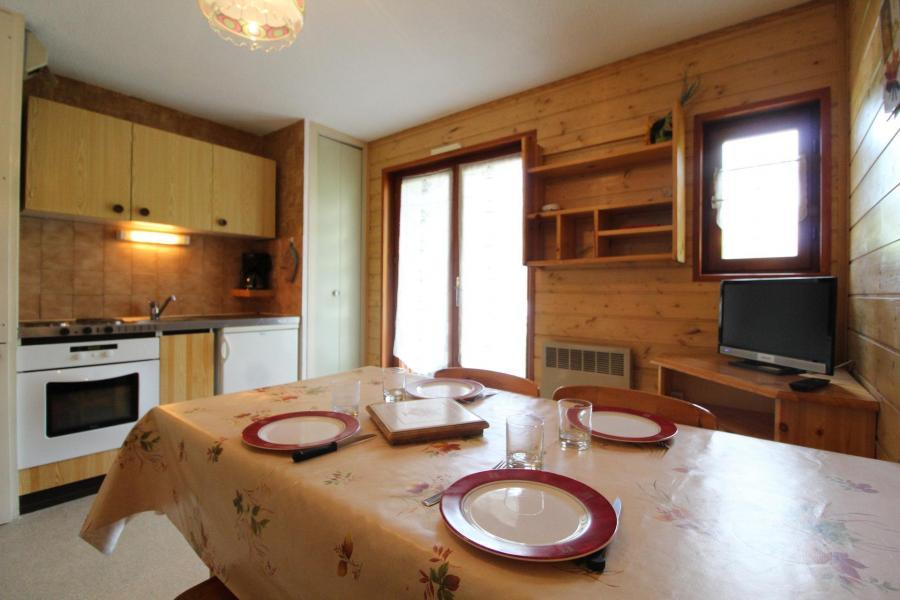Vacances en montagne Appartement 2 pièces 4 personnes (124) - Résidence Chevallier - Val Cenis - Salle à manger