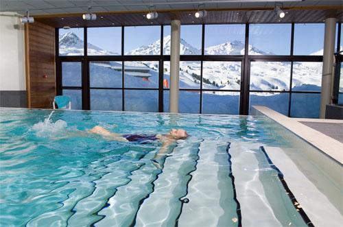 Vacances en montagne Residence Club Mmv Le Centaure - La Plagne - Piscine