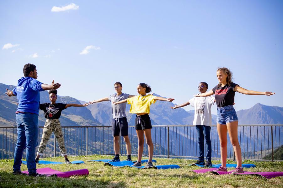 Skiverleih Résidence Club MMV le Coeur des Loges - Les Menuires - Draußen im Sommer