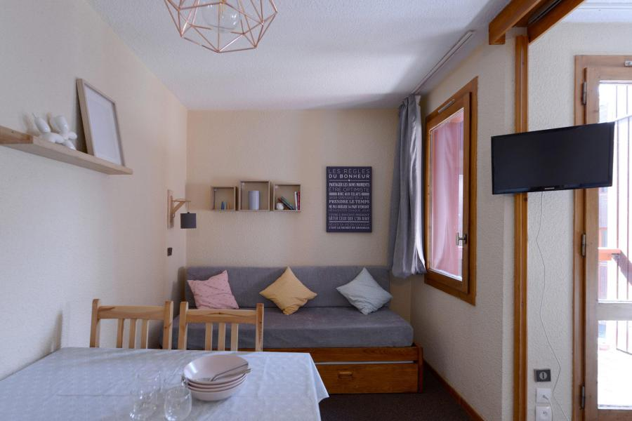 Holiday in mountain resort Studio 4 people (457) - Résidence Corail - La Plagne - Living room