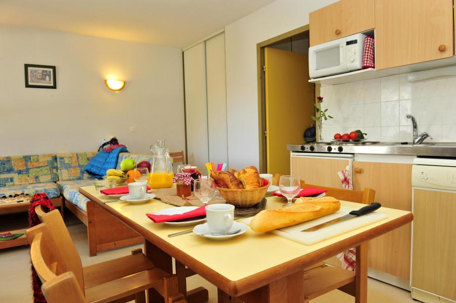 Urlaub in den Bergen Résidence Couleurs Soleil - Oz en Oisans - Tisch