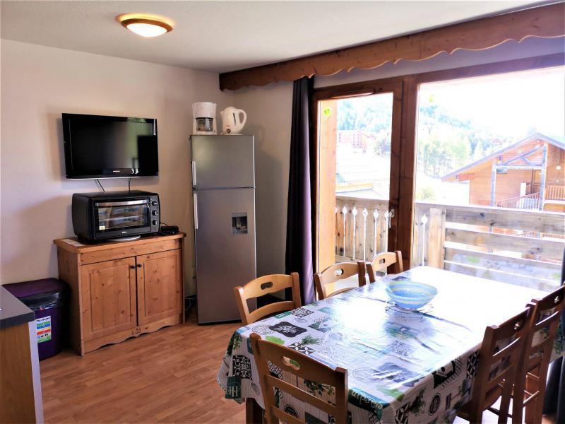 Vacances en montagne Appartement 3 pièces 6 personnes (322) - Résidence Crête du Berger - La Joue du Loup - Table