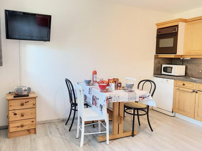 Vacances en montagne Appartement 2 pièces 4 personnes (B1) - Résidence Dahlia - Saint Martin de Belleville - Table