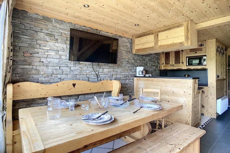 Vacaciones en montaña Apartamento 2 piezas mezzanine para 6 personas (03) - Résidence de Caron - Les Menuires - Camas superpuestas