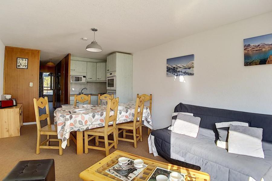 Vacaciones en montaña Apartamento 2 piezas para 6 personas (312) - Résidence de Caron - Les Menuires - Mesa