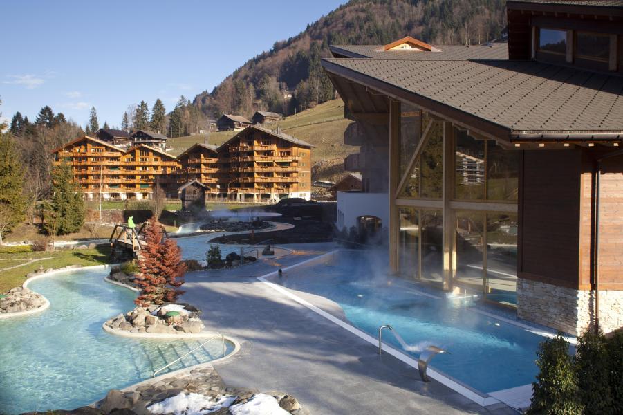 Vacances en montagne Résidence Dents Blanches - Dents du Midi - Champéry - Piscine