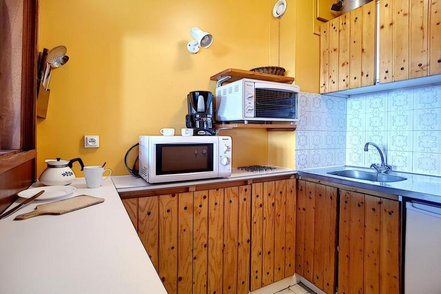 Vacaciones en montaña Apartamento 2 piezas para 5 personas (AL0703) - Résidence des Alpages - Les Menuires - Mesa baja