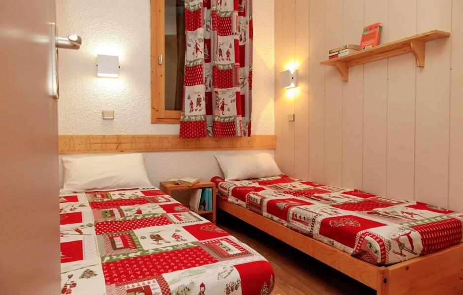Vacances en montagne Résidence des Brigues - Courchevel - Lit simple