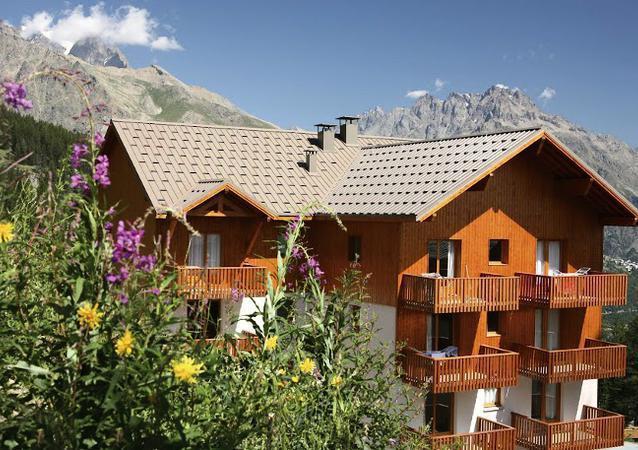 Location au ski Résidence des Gentianes - Puy-Saint-Vincent - Extérieur été