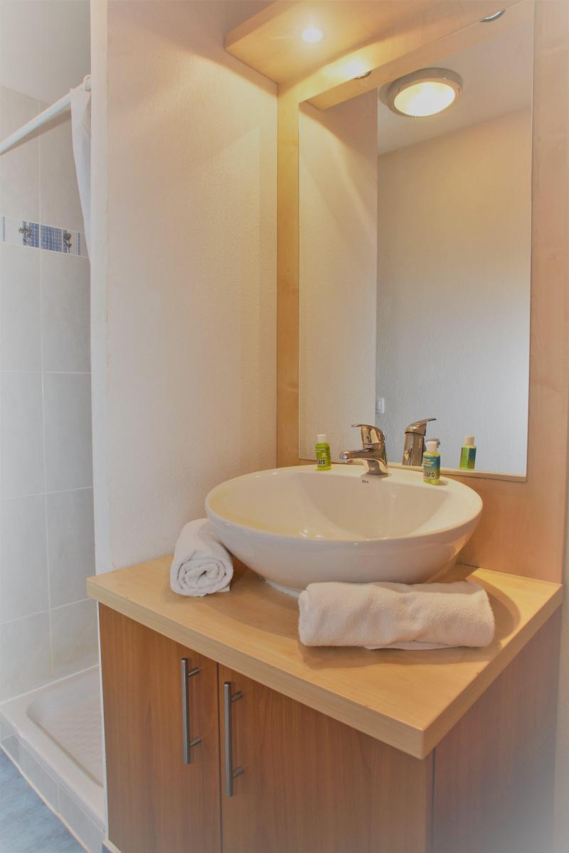 Holiday in mountain resort 3 room duplex apartment cabin 8 people - Résidence Domaine du Val de Roland - Luz Ardiden - Bathroom