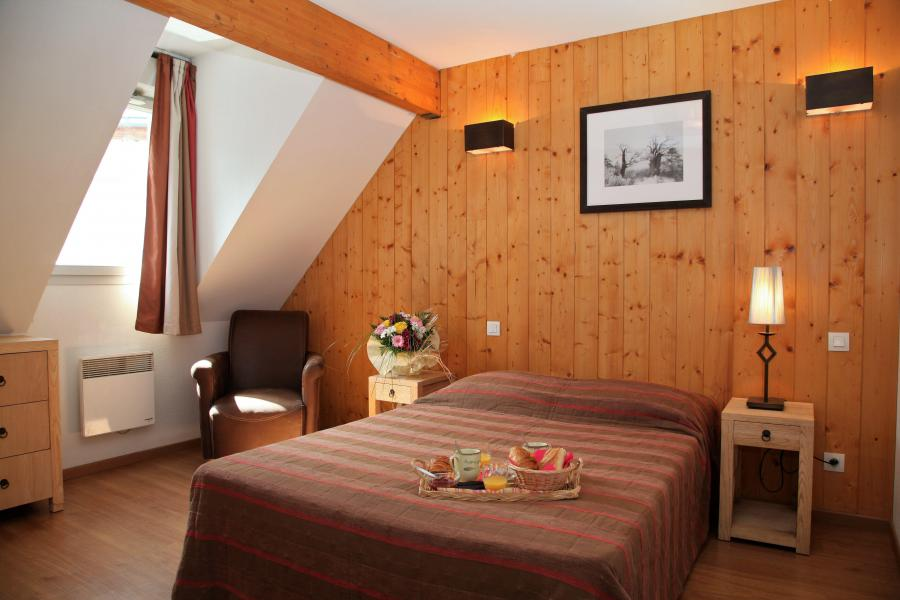Holiday in mountain resort 3 room duplex apartment cabin 8 people - Résidence Domaine du Val de Roland - Luz Ardiden - Double bed
