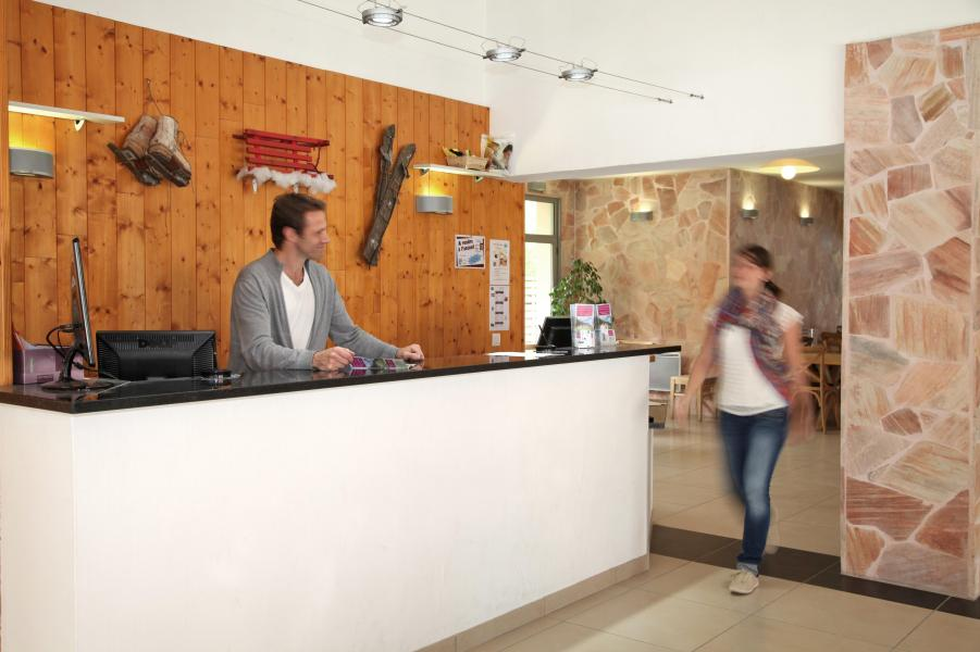 Holiday in mountain resort Résidence Domaine du Val de Roland - Luz Ardiden - Reception
