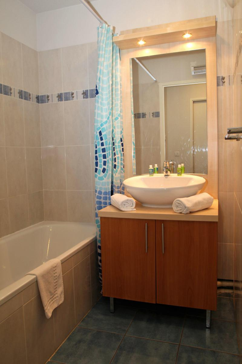Holiday in mountain resort Résidence Domaine du Val de Roland - Luz Ardiden - Bathroom