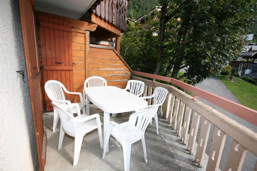 Rent in ski resort 3 room apartment 6 people (3) - Résidence Echo des Montagnes - Châtel - Summer outside