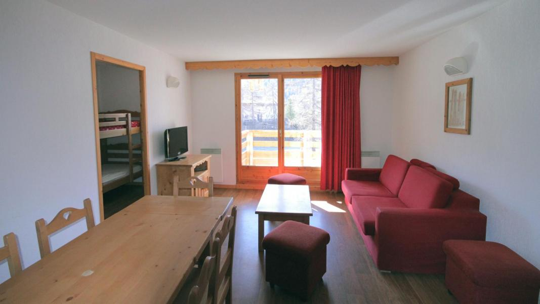 Holiday in mountain resort 2 room apartment 6 people - Résidence Ecrin des Neiges - Vars - Table