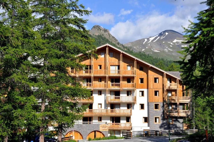 Location au ski Résidence Ecrin des Neiges - Vars - Extérieur été