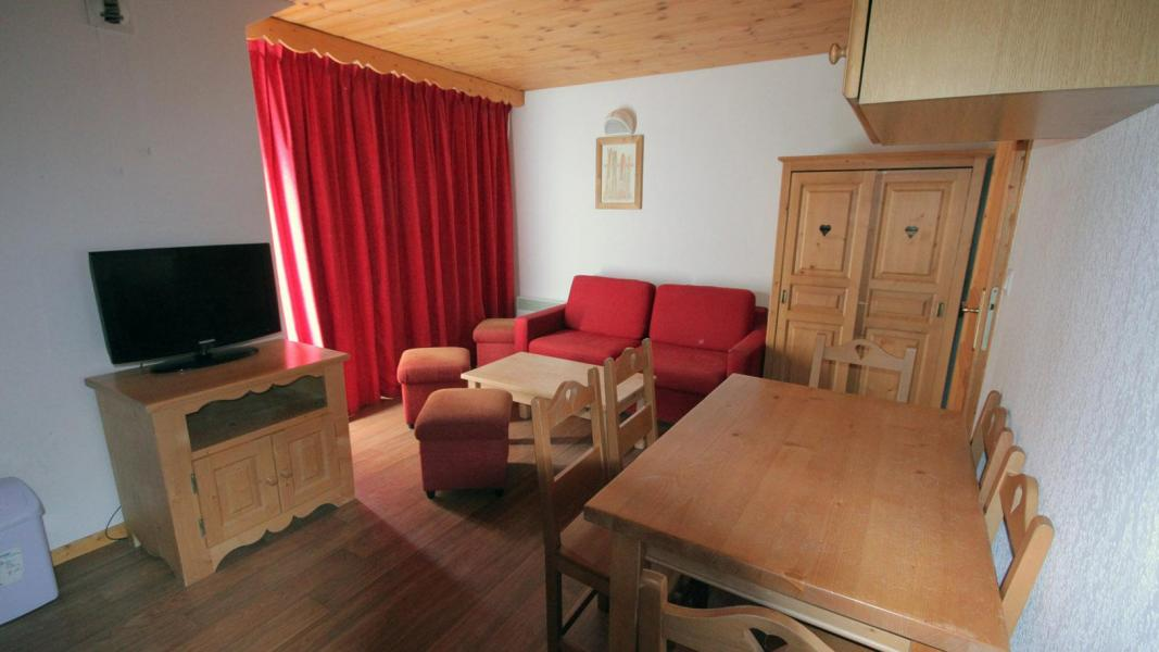 Holiday in mountain resort Résidence Ecrin des Neiges - Vars - Living room