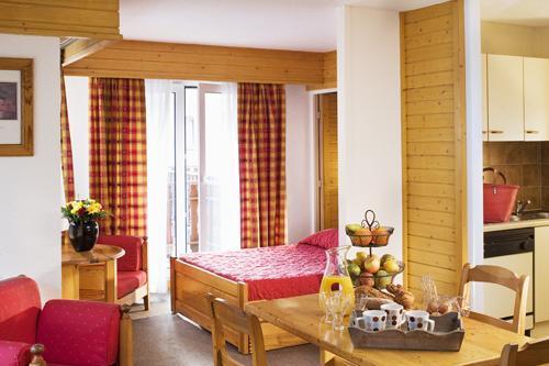 Vacances en montagne Studio cabine ou cuisine séparée 4 personnes (STC4) - Résidence Eureca - Brides Les Bains - Séjour