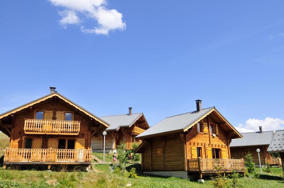 Location au ski Résidence Goélia les Chalets de la Toussuire - La Toussuire - Extérieur été