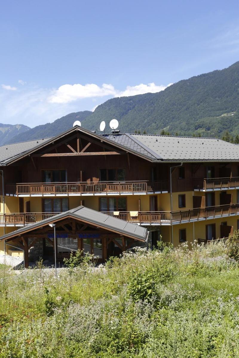 Vacances en montagne Résidence Grand Massif - Morillon - Extérieur été