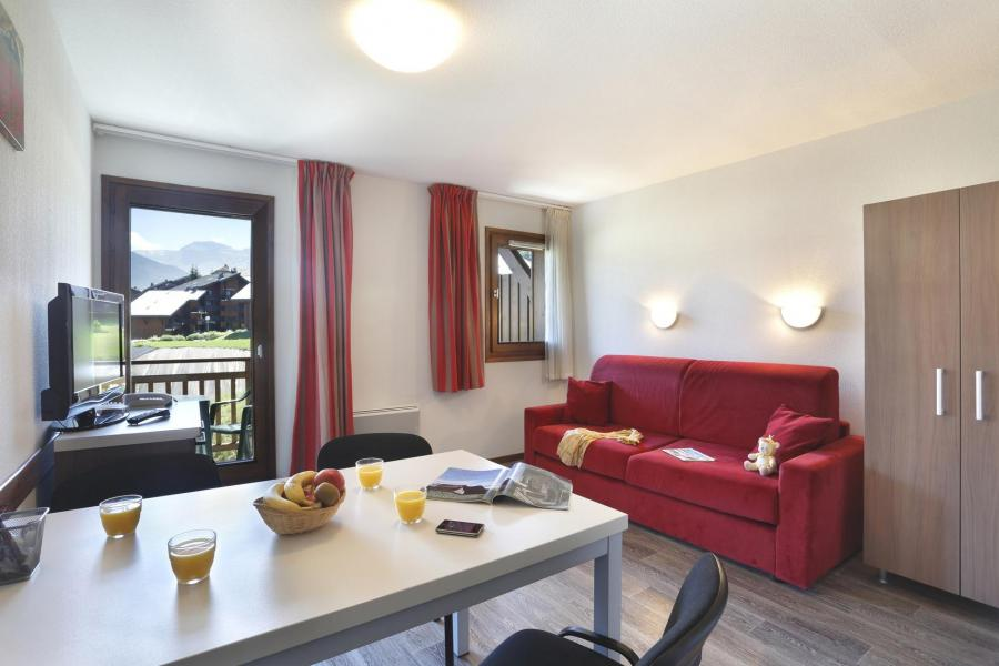 Vacances en montagne Résidence Grand Massif - Morillon - Table