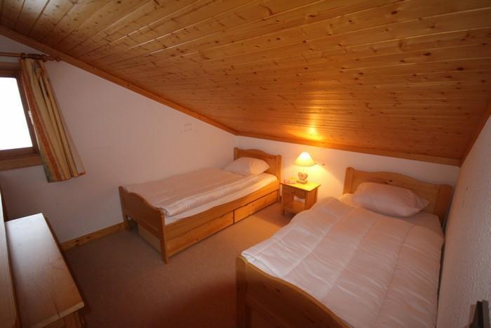 Vacaciones en montaña Apartamento 2 piezas mezzanine para 6 personas (4421) - Résidence Grand Mont 4 - Les Saisies - Cama individual