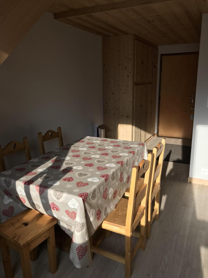 Vacances en montagne Appartement duplex 3 pièces 6 personnes (021A) - Résidence Hameau des Quatre Saisons - Châtel - Table