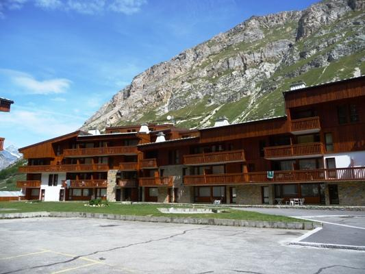 Location au ski Résidence Hameaux de Val - Val d'Isère - Extérieur été