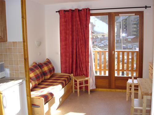 Vacances en montagne Appartement 2 pièces 4 personnes - Résidence Horizon Blanc - La Joue du Loup - Porte-fenêtre donnant sur balcon