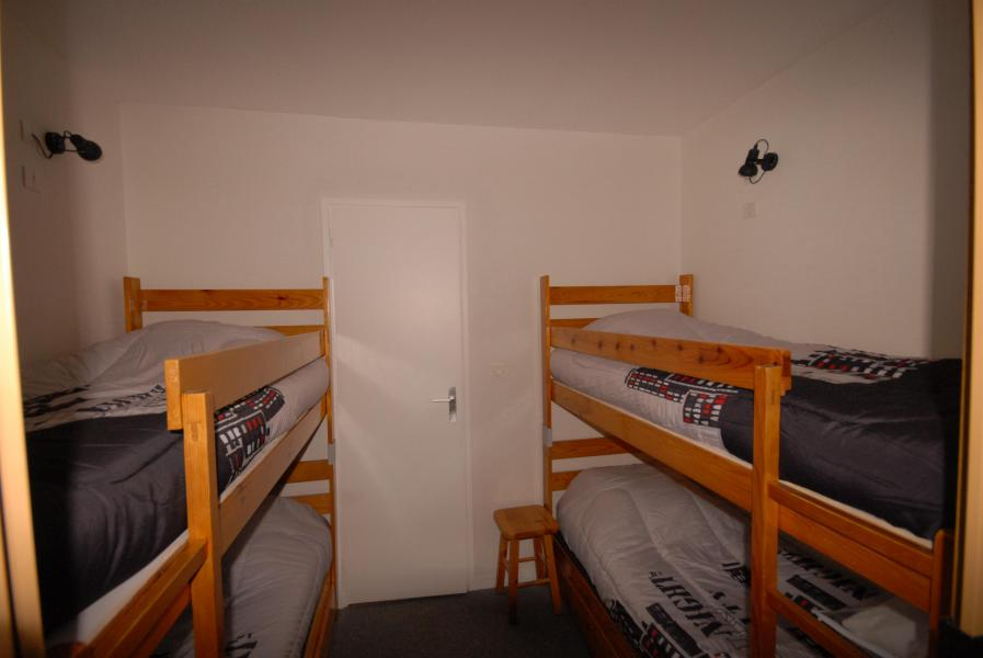 Holiday in mountain resort Studio 6 people (ISA72) - Résidence Isards - Gourette - Bunk beds