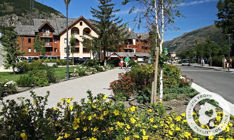Vacances en montagne Résidence l'Alpaga - Maeva Home - Serre Chevalier - Extérieur été