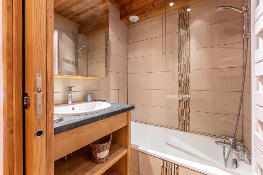 Vacances en montagne Appartement 2 pièces 6 personnes (C04) - Résidence l'Alpinéa - Méribel-Mottaret - Baignoire