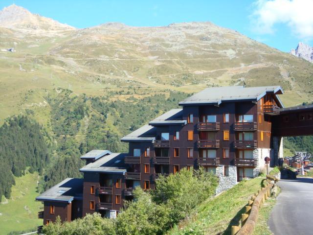 Location au ski Studio 4 personnes (L10) - Résidence l'Arc en Ciel - Méribel-Mottaret - Extérieur été