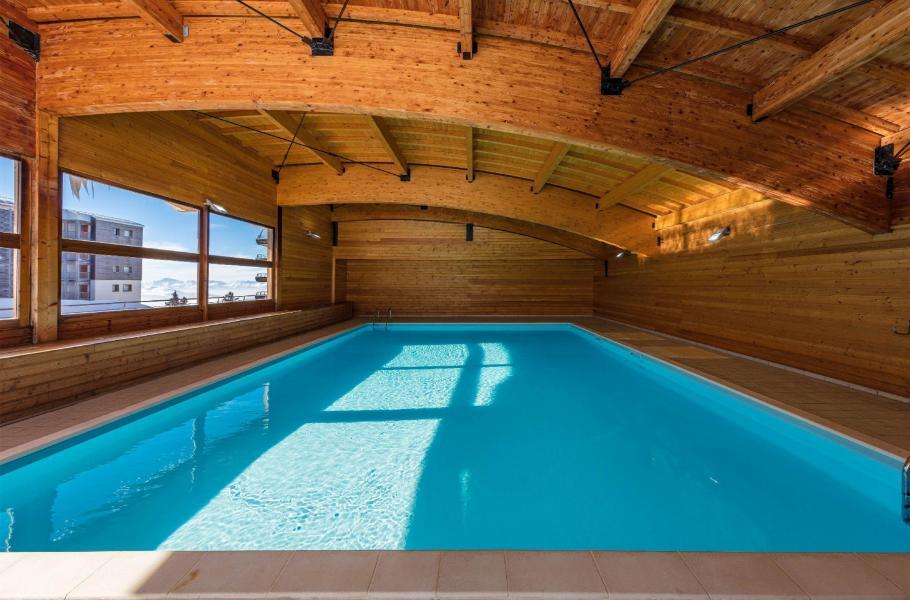 Vacances en montagne Résidence l'Ecrin des Neiges - Chamrousse - Piscine