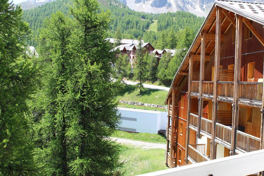 Rent in ski resort Studio sleeping corner 4 people (887) - Résidence l'Eyssina - Vars - Summer outside