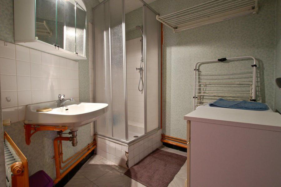 Vacances en montagne Appartement 2 pièces 6 personnes (1212) - Résidence l'Olympic - Chamrousse - Douche