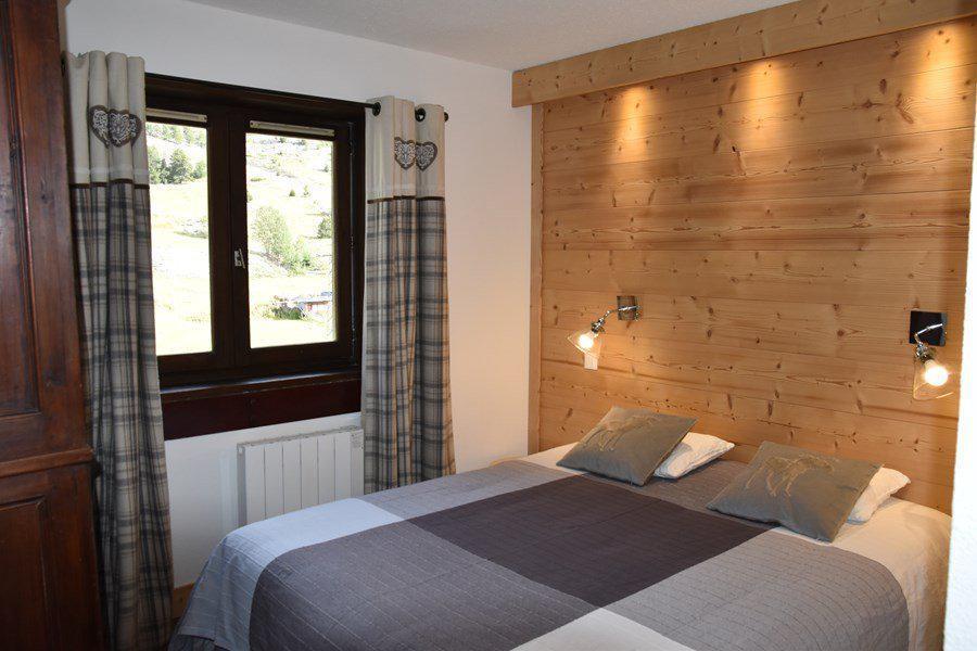 Holiday in mountain resort 2 room apartment sleeping corner 8 people (B374) - Résidence la Chamoisière - Montgenèvre - Bedroom