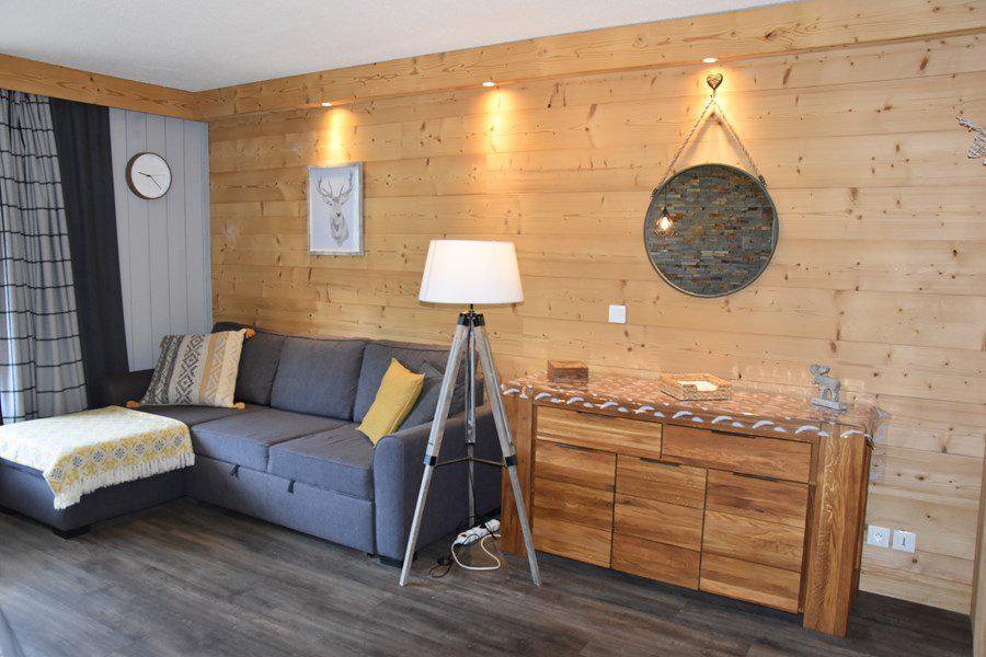 Holiday in mountain resort 2 room apartment sleeping corner 8 people (B374) - Résidence la Chamoisière - Montgenèvre - Living room