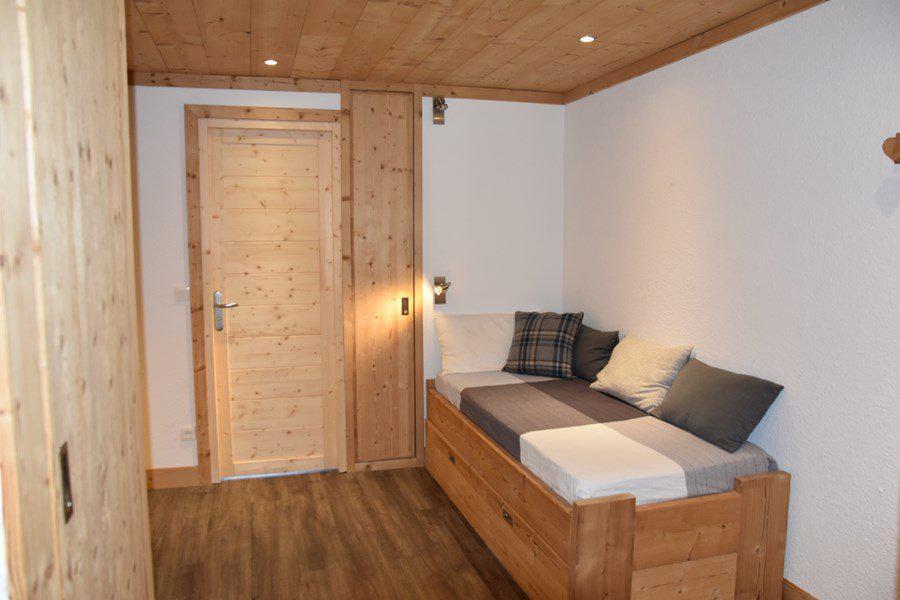 Holiday in mountain resort 2 room apartment sleeping corner 8 people (B374) - Résidence la Chamoisière - Montgenèvre - Settee