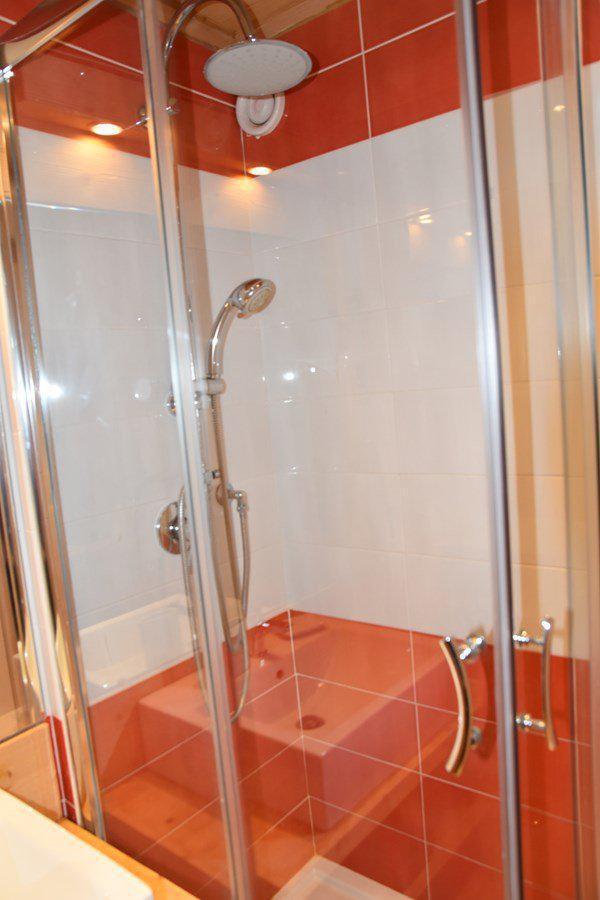 Holiday in mountain resort 2 room apartment sleeping corner 8 people (B374) - Résidence la Chamoisière - Montgenèvre - Shower