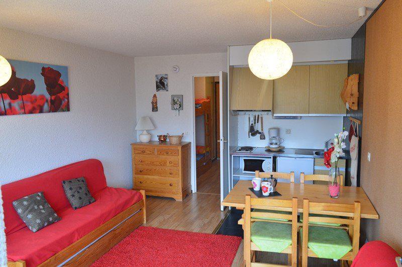 Holiday in mountain resort Studio sleeping corner 4 people (A211) - Résidence la Chamoisière - Montgenèvre - Table