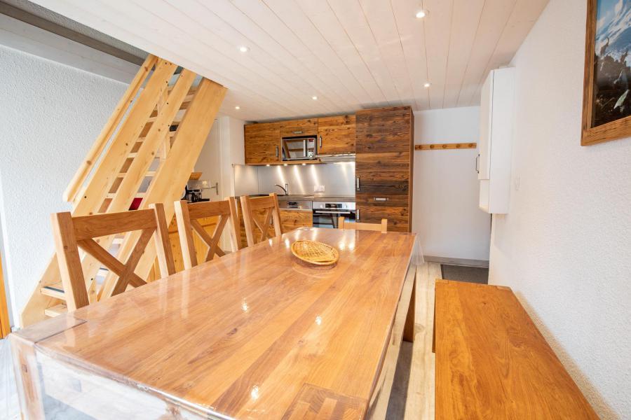 Wakacje w górach Apartament 3 pokojowy z antresolą 10 osób (CH02C) - Résidence la Chapelle - La Norma - Stołem