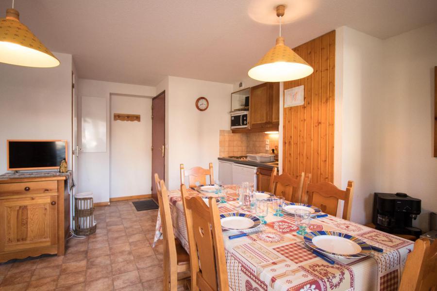 Vacances en montagne Appartement 3 pièces 6 personnes (503) - Résidence la Combe IV - Aussois - Table