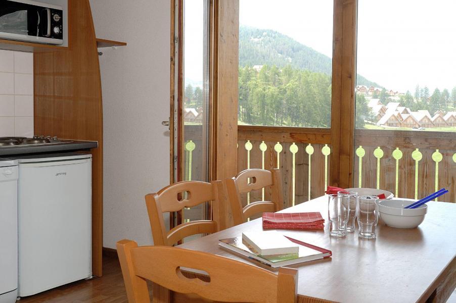 Vacances en montagne Résidence la Crête du Berger - La Joue du Loup - Coin repas