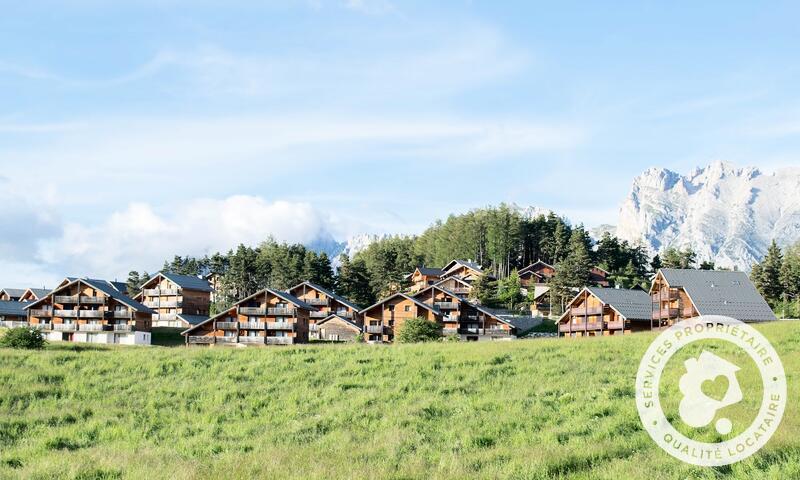 Vacances en montagne Résidence la Crête du Berger - Maeva Home - La Joue du Loup - Extérieur été