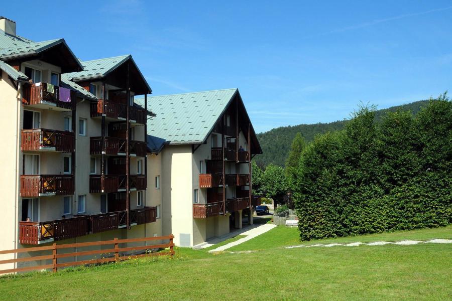 Vacances en montagne Résidence la Croix Margot - Villard de Lans - Extérieur été