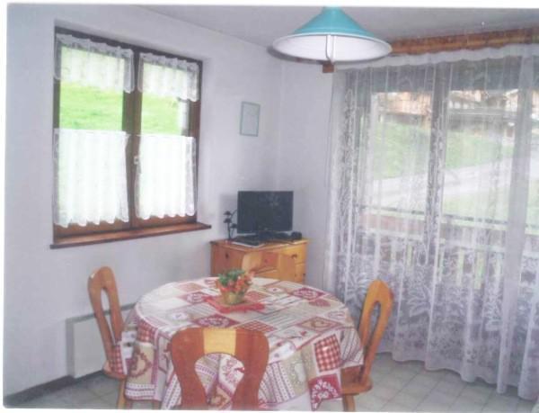 Holiday in mountain resort Studio sleeping corner 4 people - Résidence la Dryade - Le Grand Bornand - Table