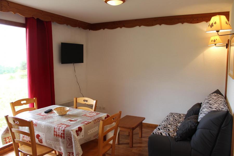 Vacaciones en montaña Apartamento 2 piezas para 4 personas (802) - Résidence la Marmotte la Crête du Berger - La Joue du Loup - Mesa