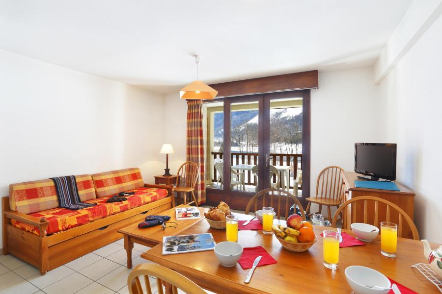 Urlaub in den Bergen Résidence la Soulane - Peyragudes - Tisch