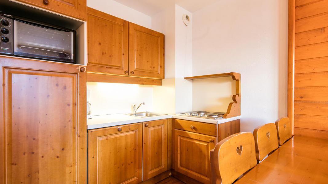 Vacaciones en montaña Résidence la Turra - Valfréjus - Cocina abierta